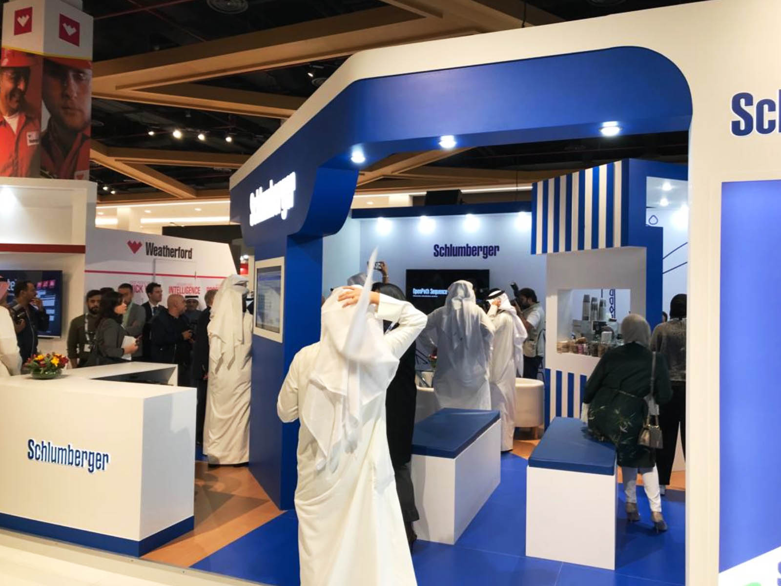Exhibition Stand Contractors In Kuwait : Quality exhibition stand production companies